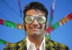 Used car salesman, plaid suit