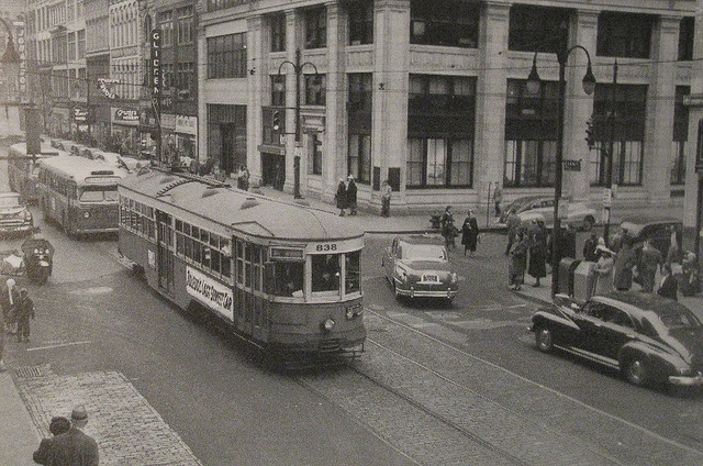 1940's streetcar; photo: Daniel R. Blume, flickr